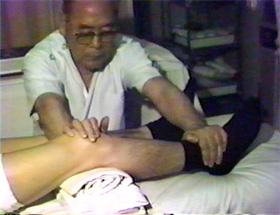 昭和51年に撮影された古賀先生の治療ビデオ