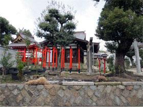 クリニック前の神社